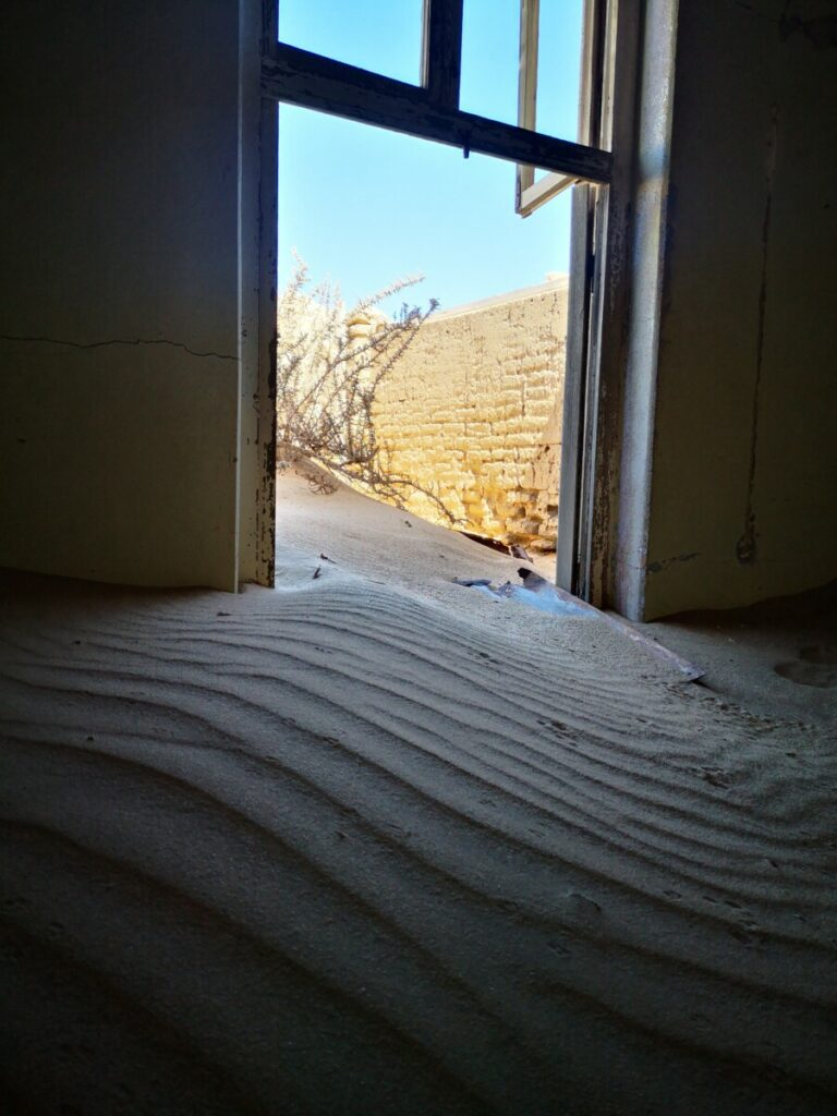 Spookstad Kolmanskop - Nabij Aus, Namibië