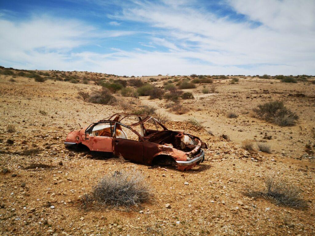 De schijnbaar never ending woestijn van Namibie